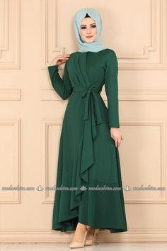 Stylish Dresses For Girls, Elegant Dresses For Women, Abaya Fashion, Muslim Fashion, Dress Muslim Modern, Girls Fashion Clothes, Fashion Outfits, Fancy Dress Design, Mode Hijab