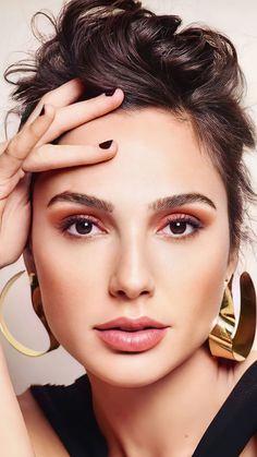 Beautiful Gal Gadot Closeup Photoshoot 4K Ultra HD Mobile Wallpaper. Hollywood Actresses HOLLYWOOD ACTRESSES   IN.PINTEREST.COM ENTERTAINMENT #EDUCRATSWEB
