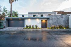 House Main Gates Design, Door Gate Design, House Front Design, Minimal House Design, Modern Villa Design, Minimal Home, Modern Entrance, House Entrance, Home Building Design