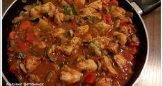 Gulasz z pieczarkami i cukinią Kung Pao Chicken, Ratatouille, Beef, Ethnic Recipes, Food, Meat, Essen, Meals, Yemek