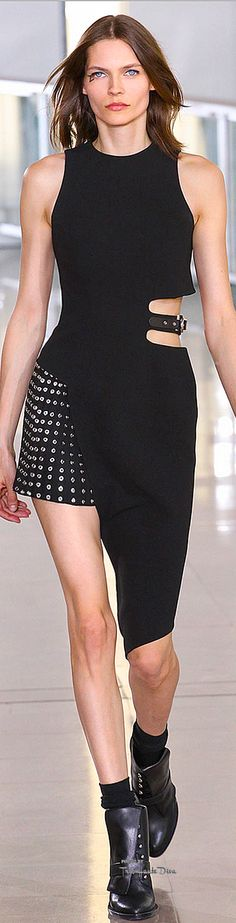 #PFW Anthony Vaccarello Fall 2015 RTW ♔THD♔ @michaelsusanno @emmammerrick @emmasusanno #AnthonyVacarello