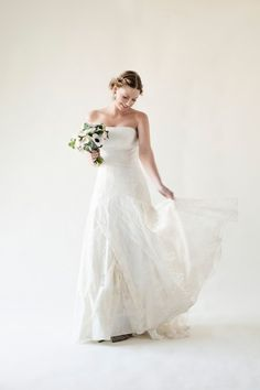 Lace wedding dress Isabelle by Alesandra Paris #robedemariee #dentelle #rusticwedding  Photo credit: Next Door Stories