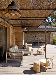 Une bien jolie terrasse ombragée comme il faut...