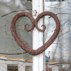 Twigs and more twigs. #birchtwig #koivurisu #risusydän #björkris #heart #hjärta #herz #love #luonnonmateriaali #kranssi #wreath #kranz… Willow Weaving, Basket Weaving, Door Wreaths, Grapevine Wreath, Christmas Diy, Christmas Wreaths, Valentine Day Boxes, Valentines, Seasonal Decor