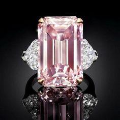Pink Jewelry, Jewelery, Graff Jewelry, Silver Jewelry, Bijoux Or Rose, Pink Diamond Ring, Pink Diamond Engagement Ring, Bijoux Design, Three Stone Rings