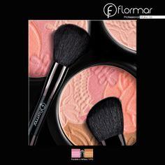 Es un polvo, un rubor y una sombra de ojos! Es Deluxe Multi Effect Powder; una tecnología extraordinaria que logra dar luminosidad natural y mirada absolutamente perfecta para todo el día