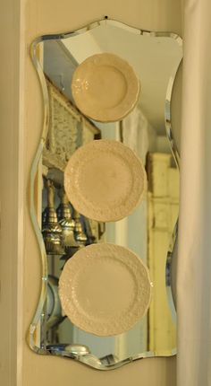 LaurieAnna's Vintage Home: Mirrors and Plates