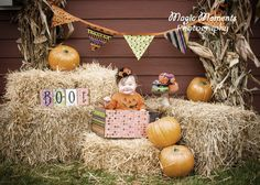 I like the idea of a Halloween themed banner Fall Baby Pictures, Holiday Pictures, Halloween Pictures, Fall Photos, Fall Pics, Photography Mini Sessions, Holiday Photography, Fall Photo Props, Photo Shoot