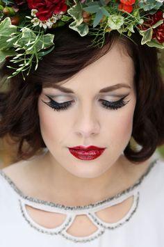 Autumn brides will love this Snow White wedding accessories photoshoot