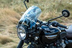 The Triumph and the Dart flyscreen are natural partners. No other small windshield matches the style like the Dart! Triumph Bonneville T120, Triumph Motorcycles, Bike Design, Motorbikes, Vehicles, Screens, Google Search, Bags, Blue Prints