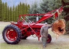 hello guys new here and just would like your opinion on an older tractor such has a farmall M or H,I would like the tractor to help move snow as i Antique Tractors, Vintage Tractors, Vintage Farm, Farmall Tractors, Old Tractors, Old Farm Equipment, Heavy Equipment, Tractor Pictures, Case Ih Tractors