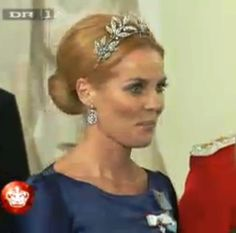 Caroline Heering in the wreath tiara