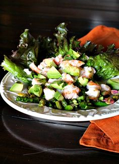 Crab salad with avocado and asparagus. Ultranutritious and with a lively vinaigrette, delicious