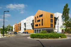 Gallery - Aquitanis Community Housing / Marjan Hessamfar & Joe Vérons Architectes - 2