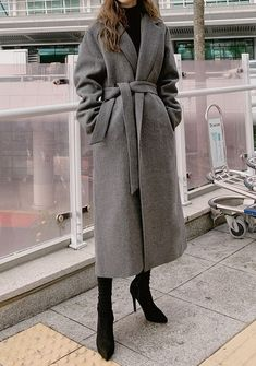 Modern Simple Mood Long Coat - I know you wanna kiss me. Thank you for visiting CHUU. Long Coat Outfit, Winter Coat Outfits, Trench Coat Outfit, Winter Fashion Outfits, Look Fashion, Fall Outfits, Fashion Coat, Vest Coat, Long Trench Coat
