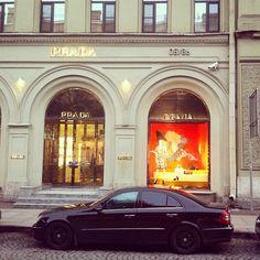 Mercedes-Benz w211  Shopping✨  #mercedes #amg #mb #w211 #mercedesbenz #MercedesAMG  #germancars #eclass #mblovers #mercedes_benz #mbphoto #spb #luxurycars #cars #autos #mbenz #benz #saint_petersburg #instacar #piter #mbenzgram #mbcar #питер #carstagram #mercedeslove #mbfanphoto #luxury #prada #saintpetersburg #luxurylife http://unirazzi.com/ipost/1497076696367973643/?code=BTGr1LQh0UL