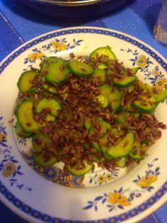 Riso rosso con zucchine e curry