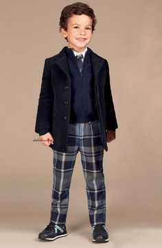 ALALOSHA: VOGUE ENFANTS: New Season FW'17: Kick off the school year in style with Dolce&Gabbana for gils and boys!