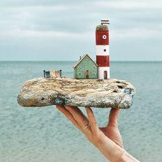 / Driftwood art author Olino More Krasnodar region Russia Driftwood Sculpture, Outdoor Sculpture, Driftwood Art, Sculpture Garden, Scrap Wood Crafts, Lighthouse Art, Driftwood Projects, Sea Glass Crafts, Beach Crafts