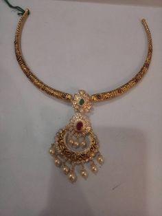 Kada Simple Necklace Designs, Gold Earrings Designs, Gold Jewellery Design, Gold Jewelry, Gold Set, Indian Jewelry, Pendant Jewelry, Wedding Jewelry, Fashion Jewelry