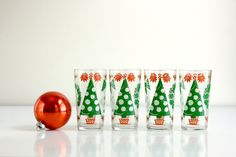 SO FUN!! Someone needs to snatch these up. Vintage Christmas Glasses. via Etsy.