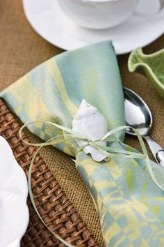 No coastal napkin rings? Use ribbons and seashells for a Casually refined seaside look. Aqua Beach Weddings, Beach Wedding Hair, Wedding Reception Decorations, Table Decorations, Centerpieces, Tea Time Magazine, Beach Wedding Inspiration, Wedding Ideas, Private Estate Wedding