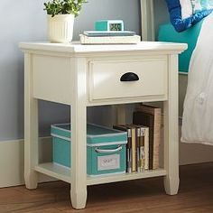 Genevieve Bedside Table, Weathered White