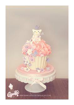 Childrens Birthday Cakes - Hello Kitty Giant Cupcake