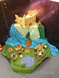 Knights and castles Small World. Knights And Castles Topic, Diorama, Owl Activities, St Georges Day, Traditional Tales, Dragon Tales, Tuff Tray, Goldilocks And The Three Bears, Dragon Princess