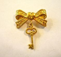 Ribbon Bow with Lock & Key Brooch / Pin  Gold Tone  Vintage