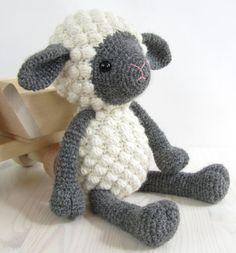 kuzu-figurlu-orgu-oyuncak