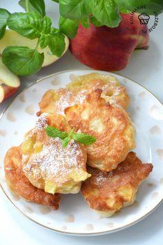 Racuchy z jabłkami - najepszy przepis mojej Babci - KulinarnePrzeboje.pl French Toast, Breakfast, Food, Morning Coffee, Essen, Meals, Yemek, Eten