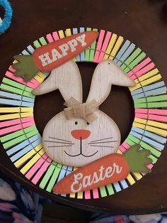 Egg Crafts, Diy Arts And Crafts, Easter Crafts, Easter Wreaths, Holiday Wreaths, Holiday Crafts, Wooden Clothespin Crafts, Clothes Pin Wreath, Easter Activities