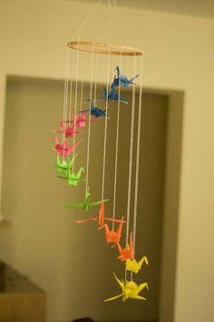 DIY Origami mobile for the nursery  @Lucia C mi sa che lo farò così! :)