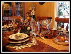 christmas tablescapes   Christmas Tablescapes Part 4 - Holiday Forum - GardenWeb