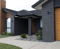 Midland Brick New Zealand Euro Grande Bricks Range Black House Exterior, Grey Exterior, House Paint Exterior, Exterior House Colors, Modern Exterior, Exterior Design, Brick House Colors, Brick Design, Brick Cladding