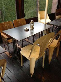 #restaurante La Misión #terraza #Madrid Madrid, Outdoor Furniture, Outdoor Decor, Retro, Dining Table, Industrial, Home Decor, Ideas, Vintage Furniture