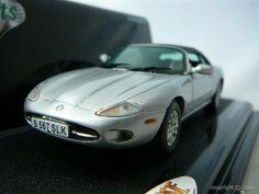 Voiture miniature Jaguar à retrouver sur http://www.freeway01.com/miniatures-jaguar-xsl-253_283.html