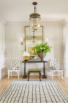 image via Matthew Carter Interiors Grown-up house goals from Kentucky-based designer Matthew Carter.whose portfolio is worth your. Entry Tables, Sofa Tables, Happy House, Up House, Entry Foyer, Entryway Decor, Entryway Ideas, Matthew Carter, Entry Way Design