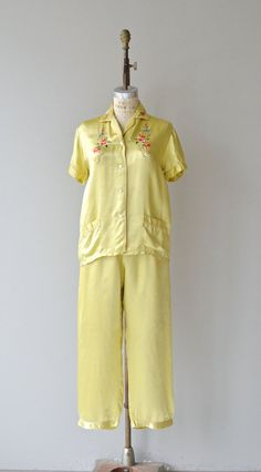 0307f9b4b8 Huangjuhua pajamas vintage 1940s pajamas chinese by DearGolden Vintage  Outfits