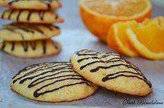 "Képtalálat a következőre: ""cookie keksz"" Orange Cookies, Hungarian Recipes, Desserts To Make, Homemade Cakes, Winter Food, Macaroons, Pavlova, Cake Cookies, Cookie Recipes"