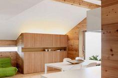 Isolation thermique en bois de mélèze d'un chalet en Suisse