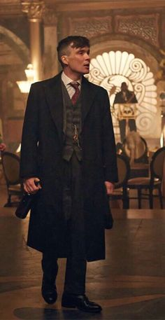 Tommy Shelby Peaky Blinders Cillian Murphy Coat is a must-have for a trans-seasonal appeal. Order at desert leather and get flat-rate shipping. Peaky Blinders Coat, Peaky Blinders Series, Peaky Blinders Quotes, Peaky Blinders Thomas, Cillian Murphy Peaky Blinders, Boardwalk Empire, Peaky Blinders Merchandise, Peaky Blinders Characters, Peeky Blinders