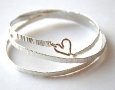 Hammered bangle with gold Heart for Sale at Bouf Cuff Earrings, Bangle Bracelets, Bangles, Necklaces, Hammered Silver, Heart Of Gold, Contemporary Jewellery, Valentine Gifts, Jewelry Crafts