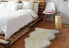 Make your own bed frame with shipping pallets!