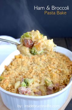 Ham and Broccoli Pasta Bake - ham, broccoli, and plenty of cheese make this a dinner that disappears every time Ham Pasta, Broccoli Pasta, Pasta Bake, Pasta Noodles, Ham Recipes, Pasta Recipes, Cooking Recipes, Ham Casserole, Casserole Recipes