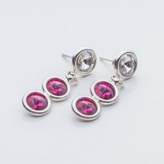 Swarovski Rivoli Earrings 6/6/6mm Crystal Fuchsia  Dimensions: length: 3,2cm stone size: 6mm Weight ( silver) ~ 3,30g ( 1 pair ) Weight ( silver + stones) ~ 3,95g Metal : sterling silver ( AG-925) Stones: Swarovski Elements 1122 SS29 ( 6mm ) Colour: Crystal Fuchsia 1 package = 1 pair  Price 9 EUR
