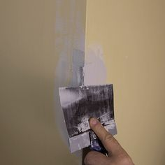 applying compound to the corner repair with a drywall joint knife Fixing Drywall, Drywall Tape, How To Patch Drywall, Drywall Repair, Fix Hole In Wall, Drywall Corners, Hanging Drywall, Plaster Repair, Touch Up Paint