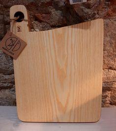 Ash kitchen wood. Tabla de cocina de Fresno Kitchen, Home, Kitchen Board, Cooking, Ad Home, Home Kitchens, Homes, Kitchens, House