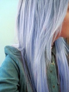 Pale lavender pastel hair